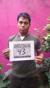 Debe abrirse línea de investigación que incluya al Ejército, exige Omar García / Foto Sanjuana Martínez. La Jornada