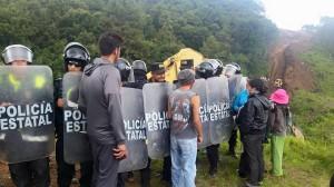 Jóvenes de la comunidad en defensa de sus tierras