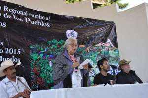 La activista Osbelia Quiroz dijo que los opositores a la ampliación de la carretera La Pera-Cuautla seguirán defendiendo los territorios de Tepoztlán, Morelos, y no cederán ni aceptarán dinero de los gobiernos. Foto: Rubicela Morelos / La Jornada
